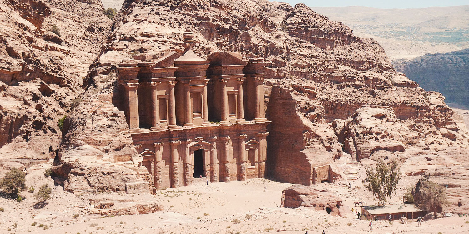 Visit Candle-Lit Petra (UNESCO World Heritage Site)