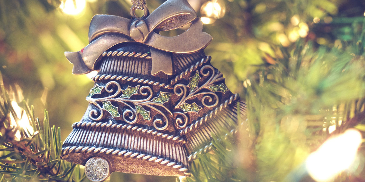 Decorate a Christmas tree: a traditional Finnish experience