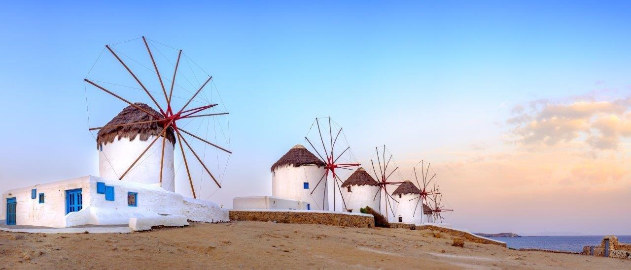 Must-see Cyclades: Mykonos and Santorini
