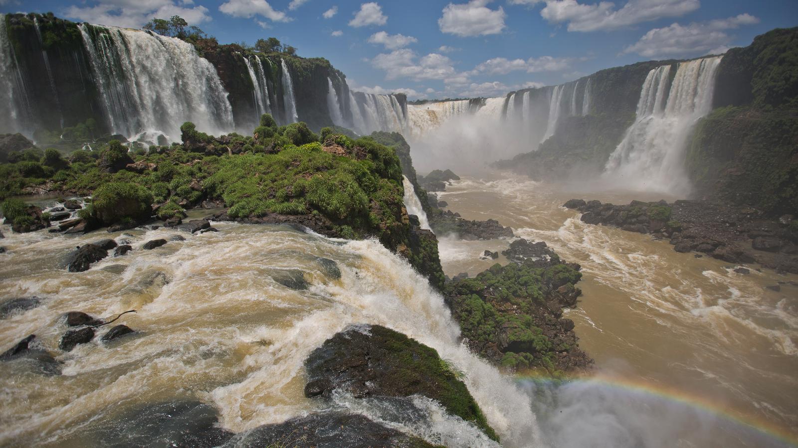 Rio de Janeiro to Buenos Aires: Waterfalls & White Sands