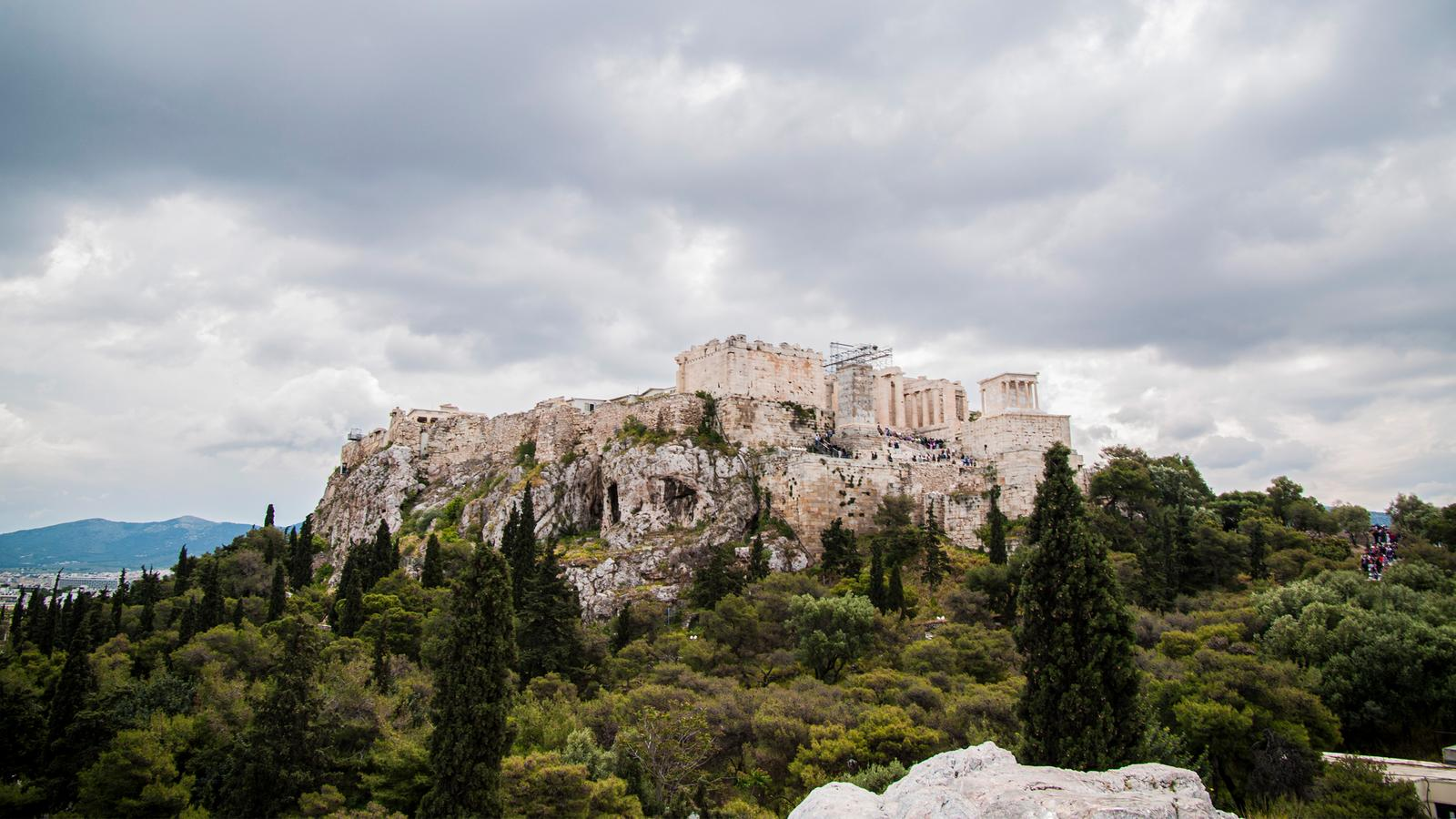 Greece: Ancient Ruins & Iconic Islands