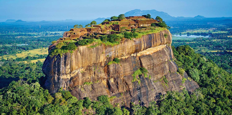 Highlights of Sri Lanka & Maldive Dhoni Cruise