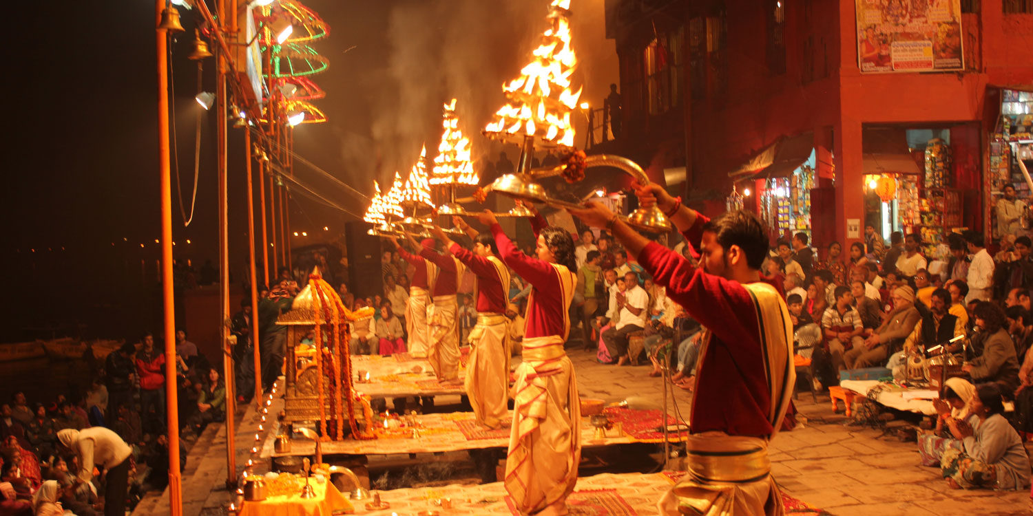 Witness the Grand Aarti