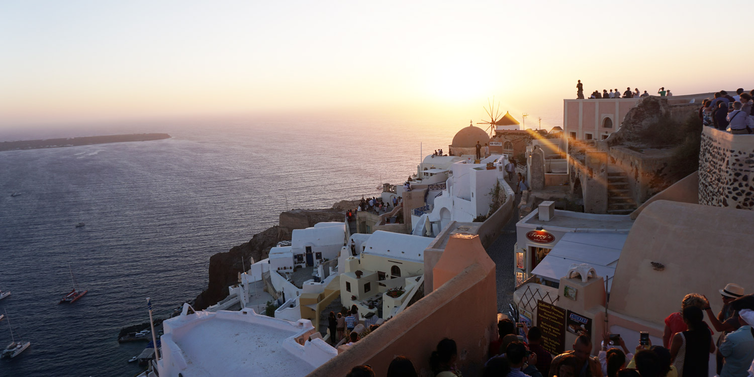 Yes this place is real, it's called Santorini